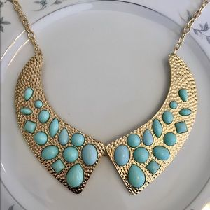 Jewelry - Faux collar necklace